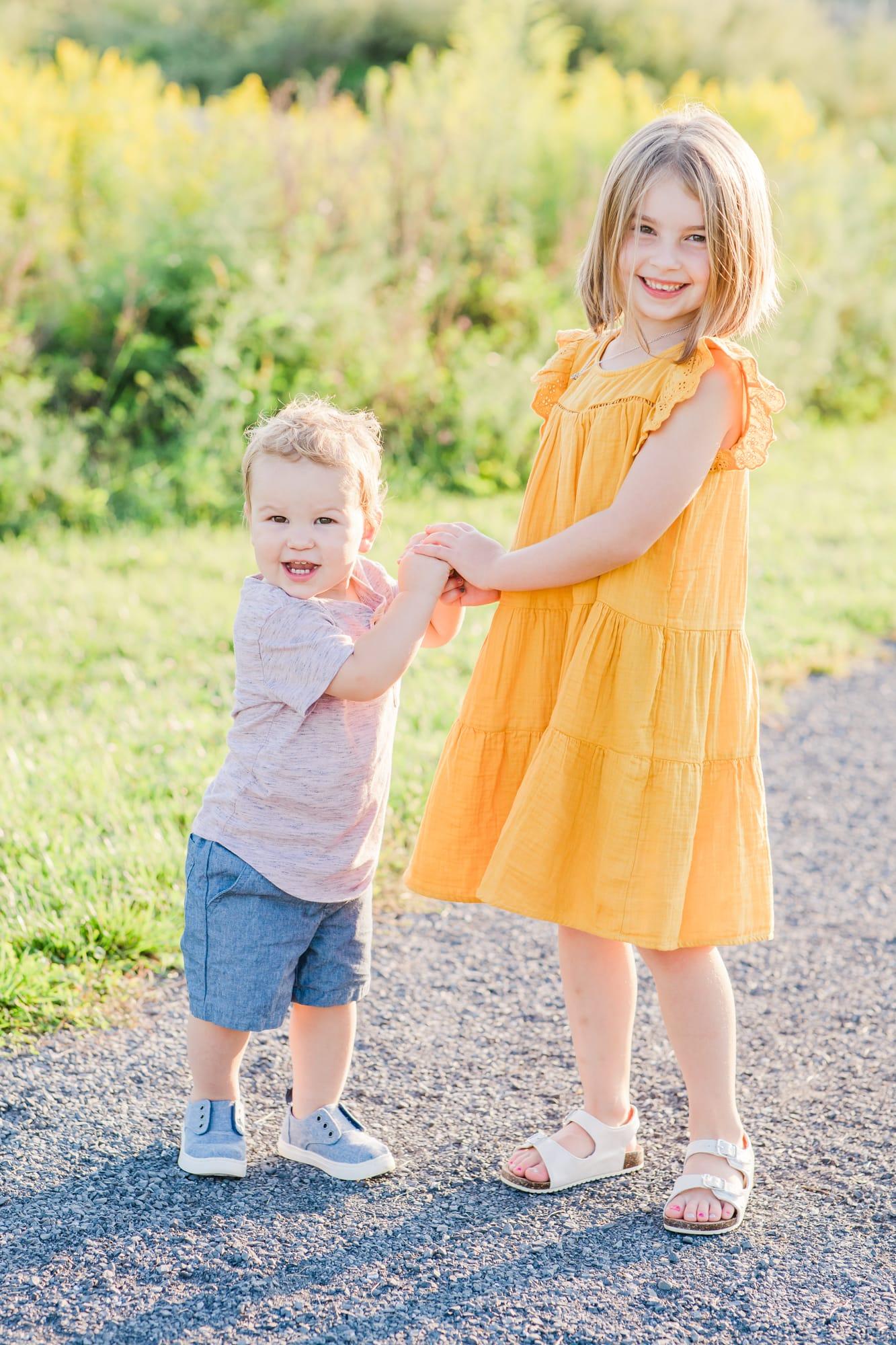 Family photos at Oak Hall Regional Park in Boalsburg