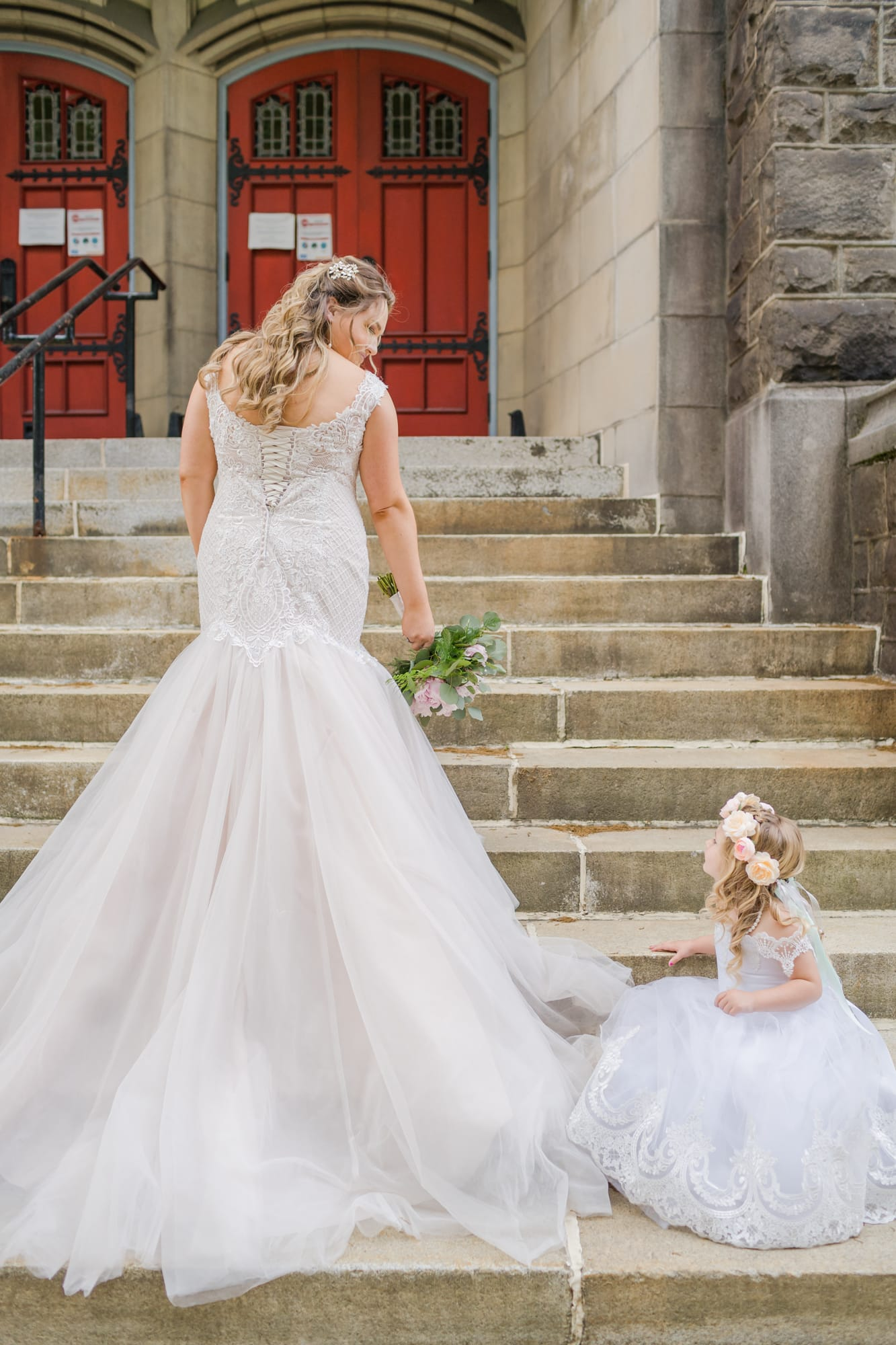 Central Pennsylvania PA summer wedding bride with flower girl