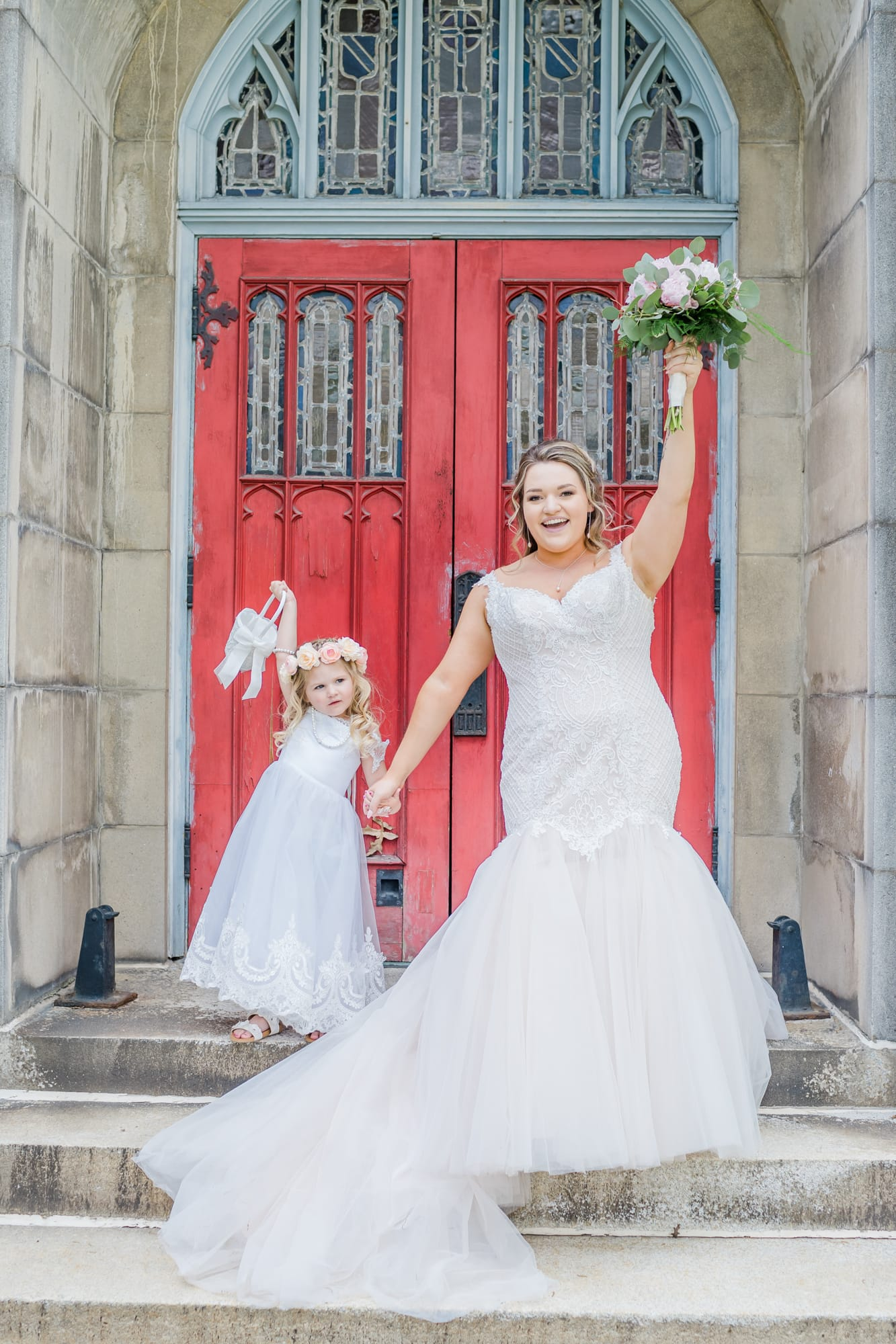 Central Pennsylvania PA summer wedding bride and flower girl