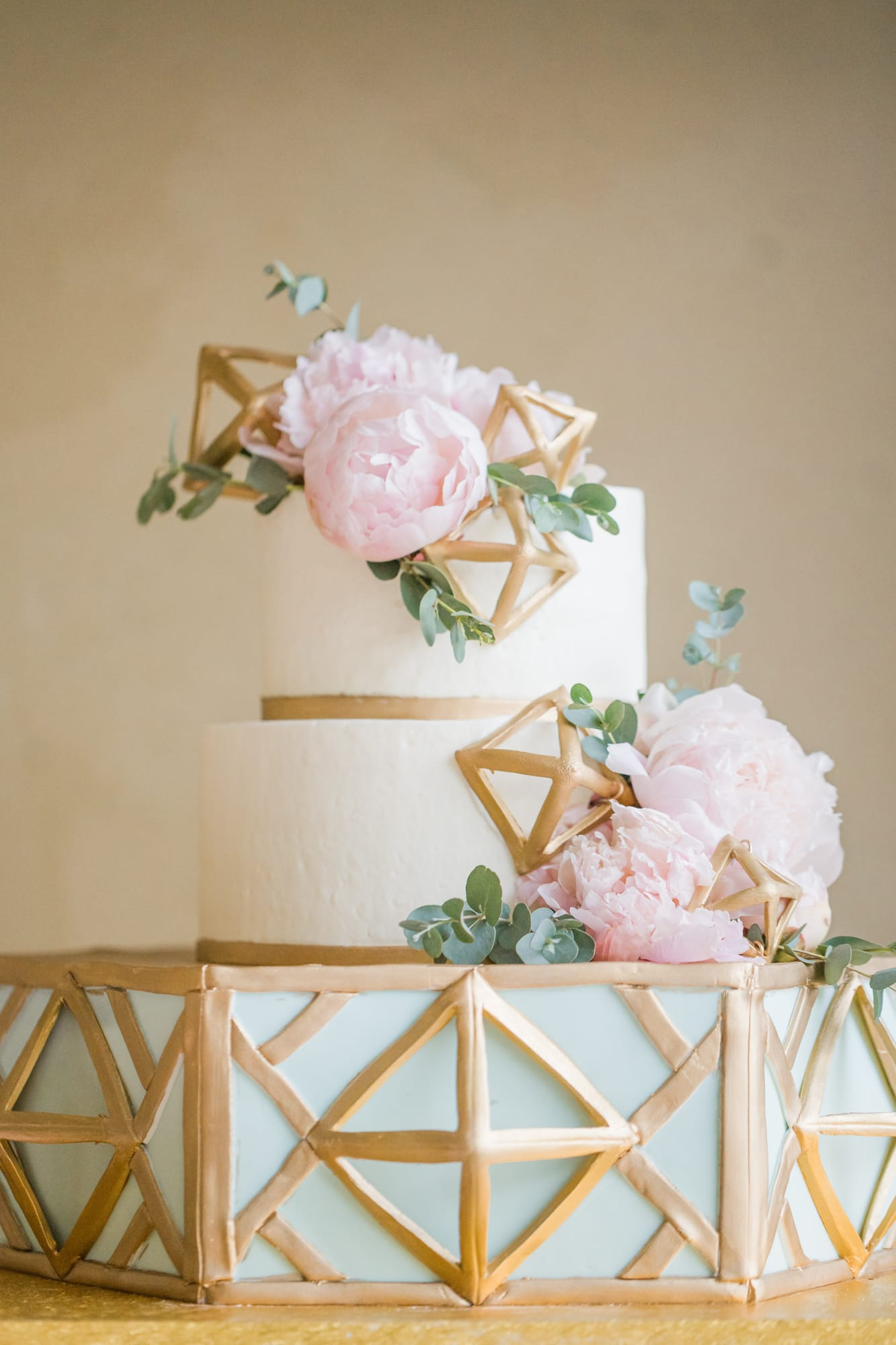 Central Pennsylvania PA summer wedding cake with peonies